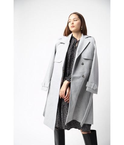 Пальто классического кроя с поясом