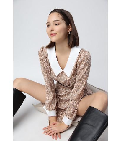 Платье с акцентным воротником, в мелкий принт, длина до колена