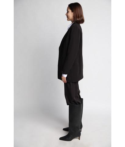 Пиджак удлиненный, классического кроя на пуговицах