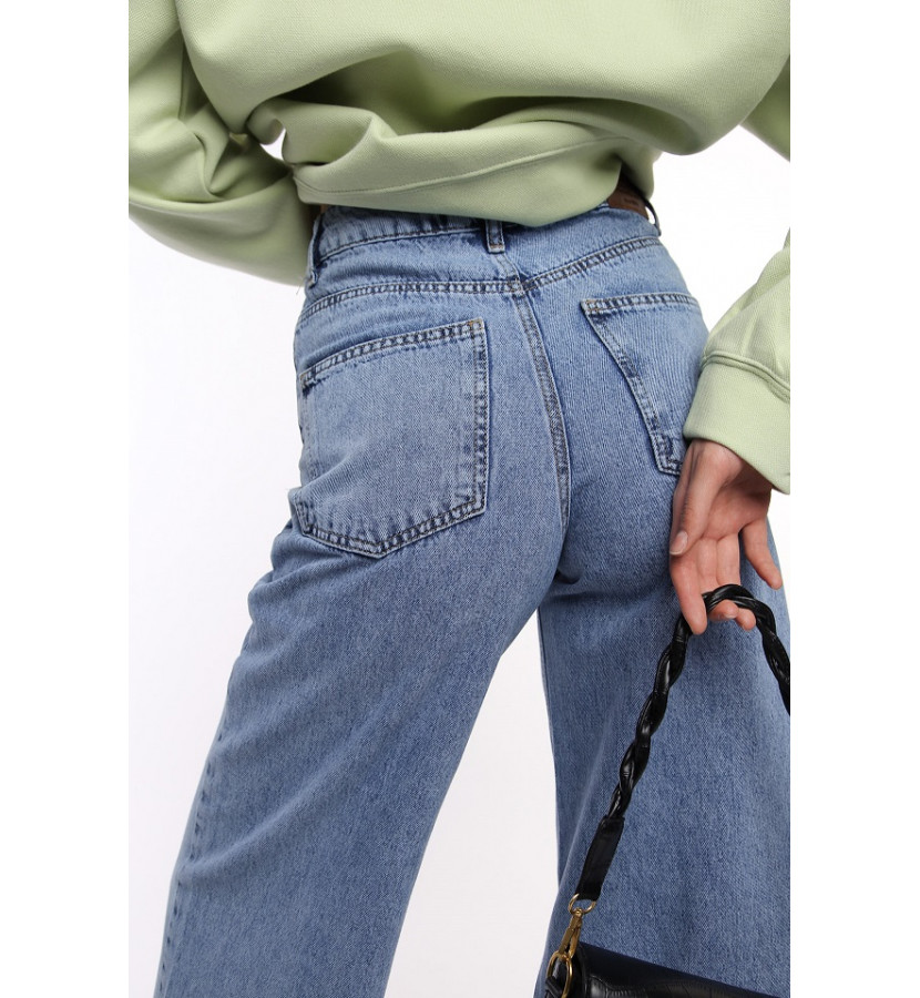 Джинсы - кюлоты с широкими штанинами на высокой посадке