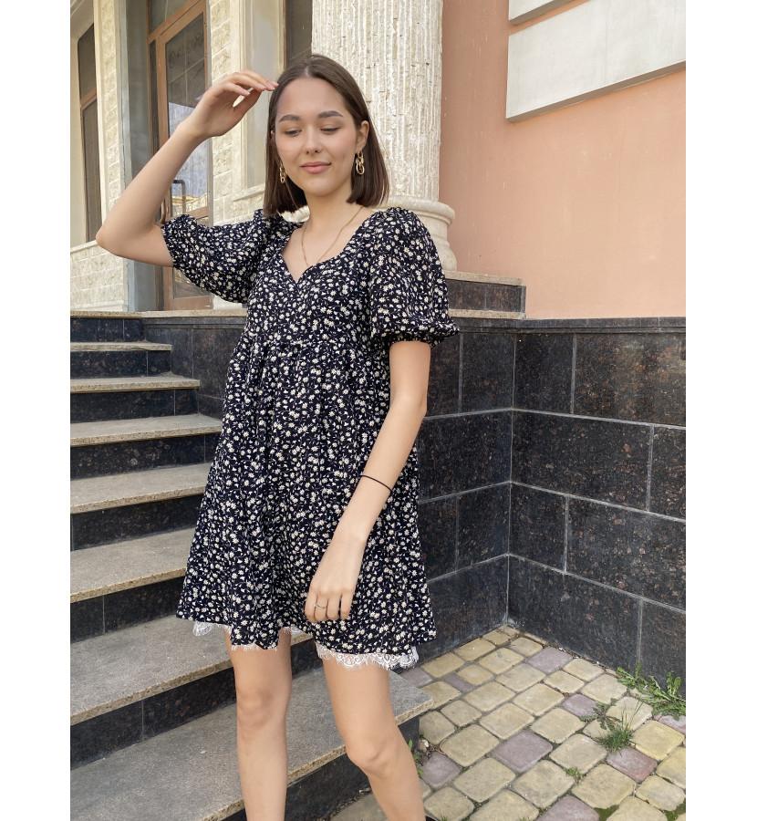 Платье мини с кружевом и юбкой солнце