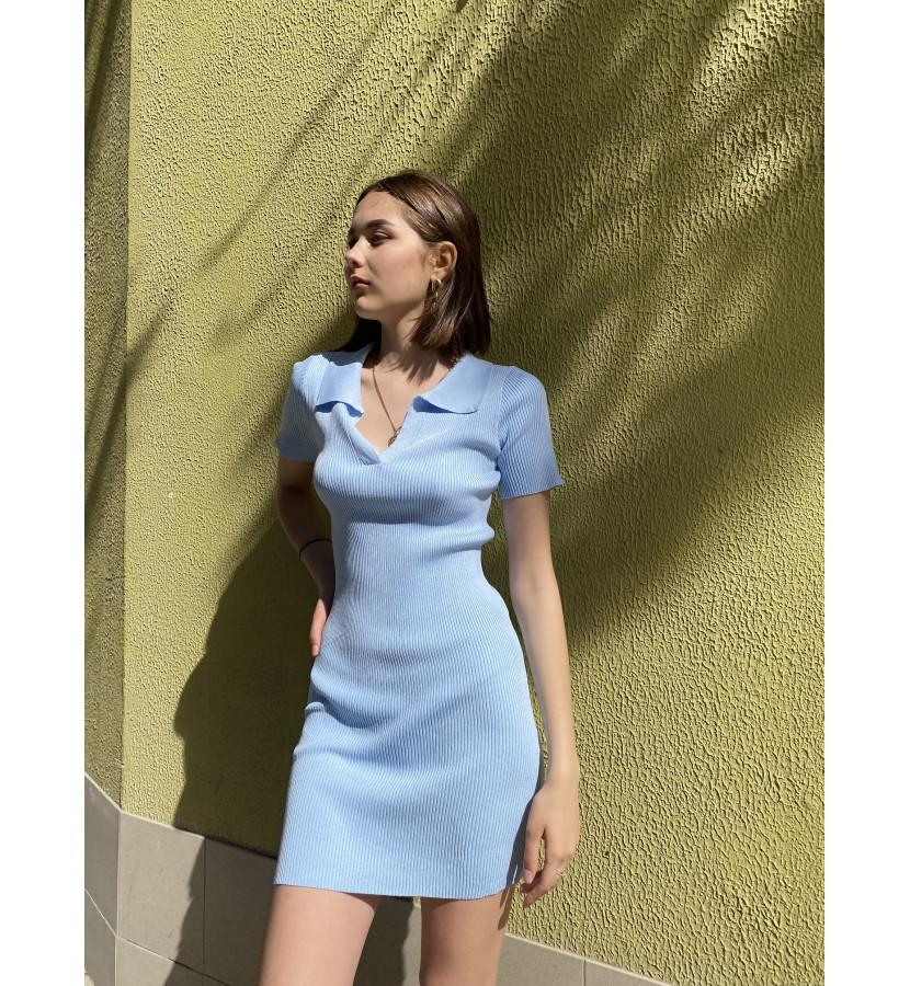 Трикотажное платье в крупный рубчик