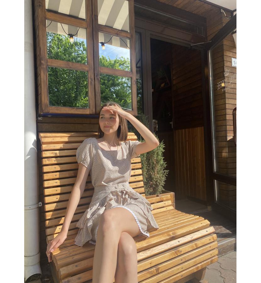 Платье мини прямого кроя в мелкий принт
