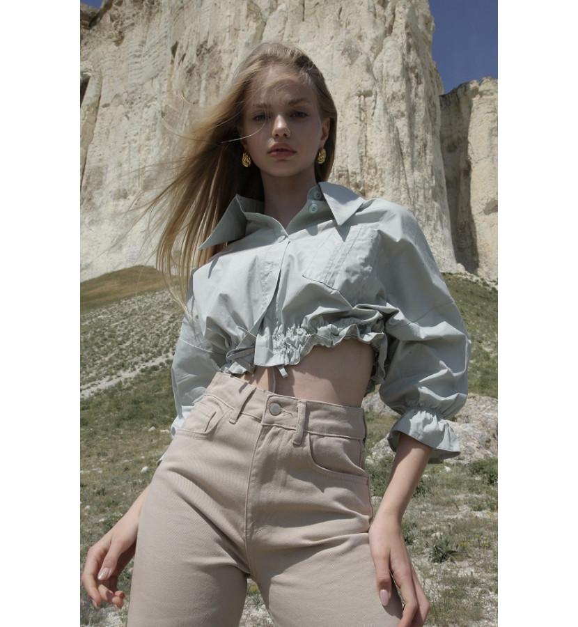 Укороченная рубашка на резинке и пуговицах