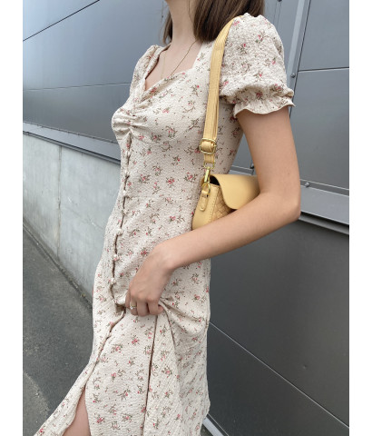 Платье на пуговицах, длина миди и принт в мелкий цветочек