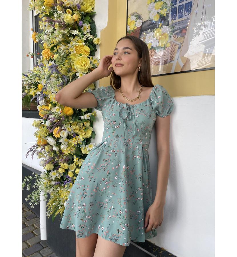 Платье мини с цветочным принтом на груди завязка