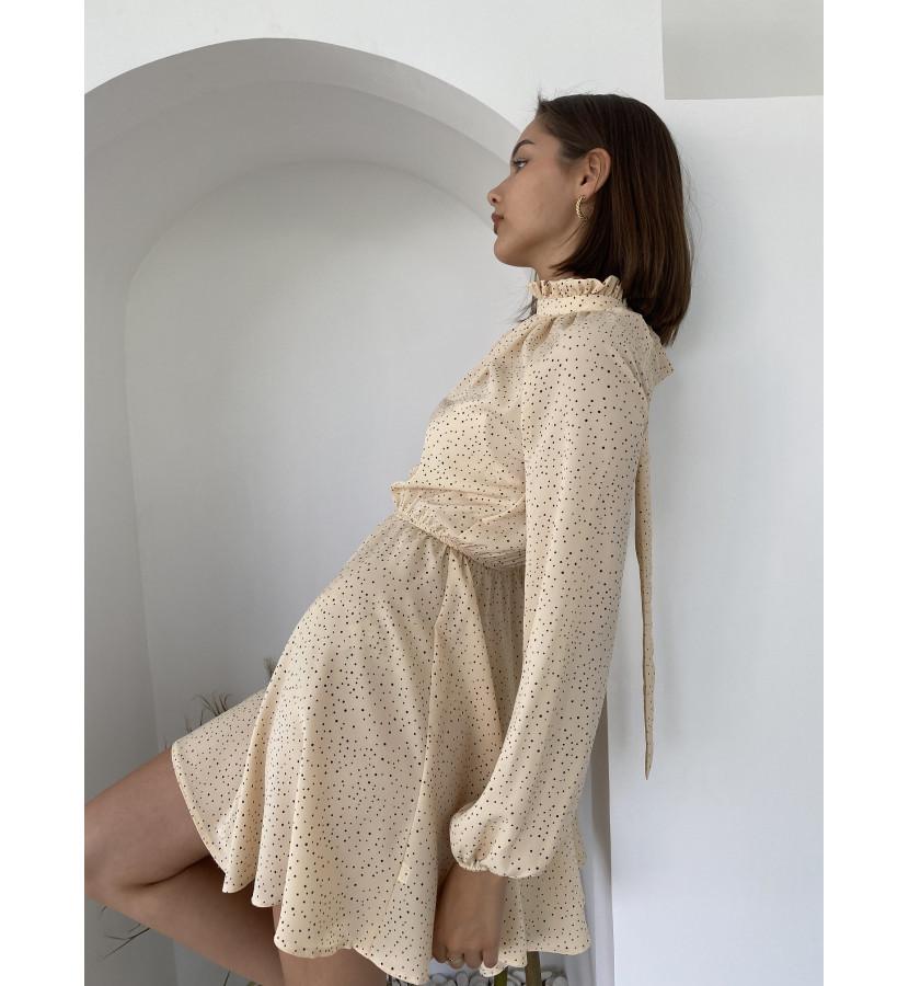 Платье мини в горошек с горлом