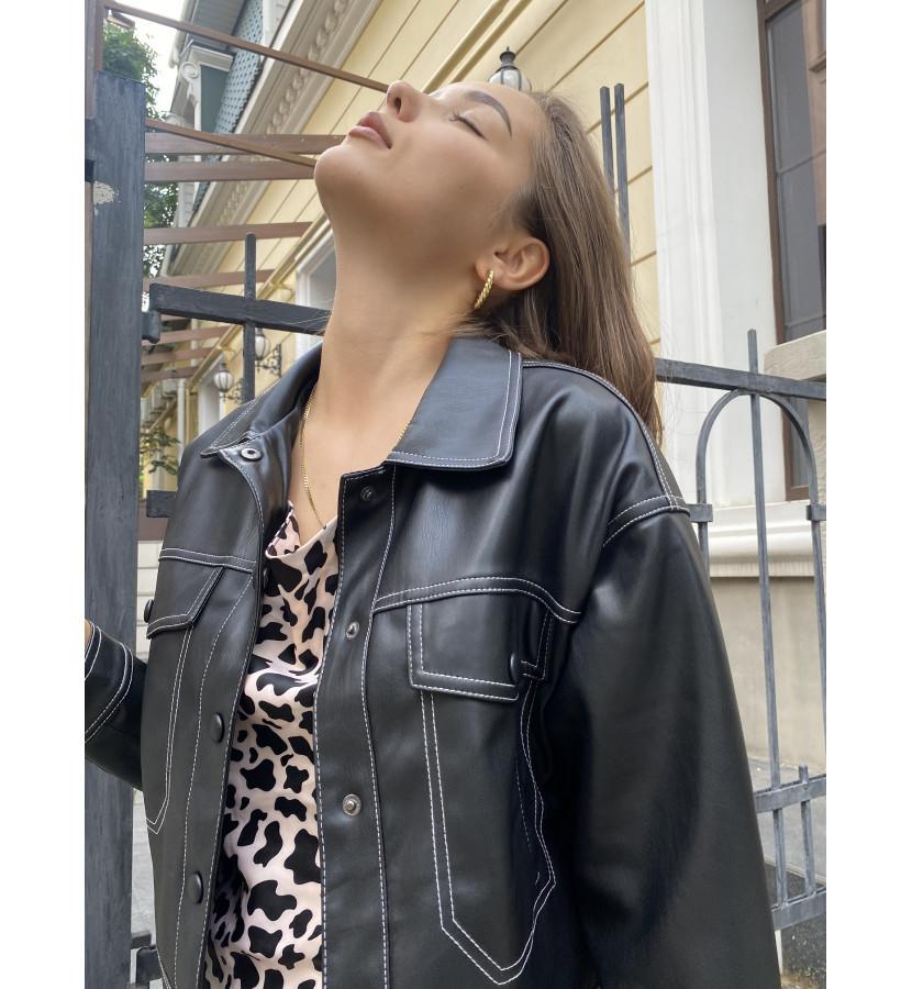 Куртка из эко кожи укороченная с контрастным швом