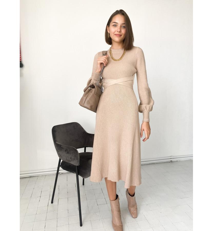 Платье трикотажное, длина миди