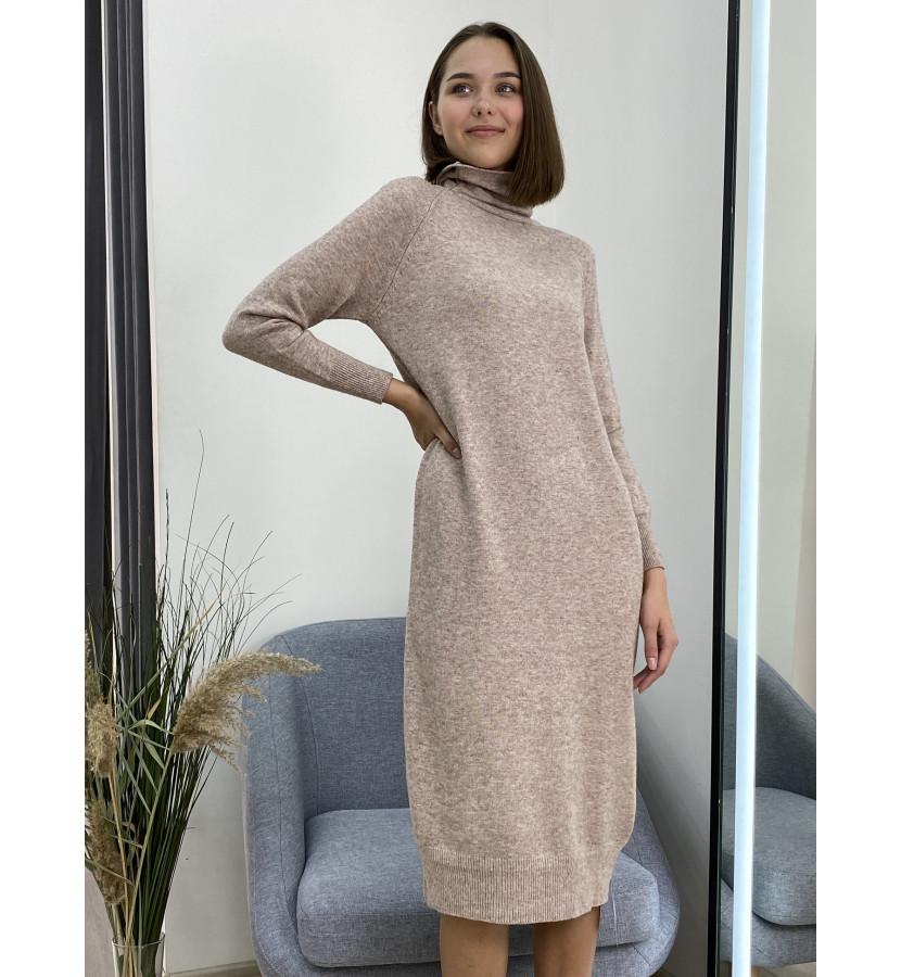 Платье трикотажное свободного кроя, длина миди