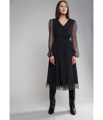 Платье в горох с V - образным вырезом