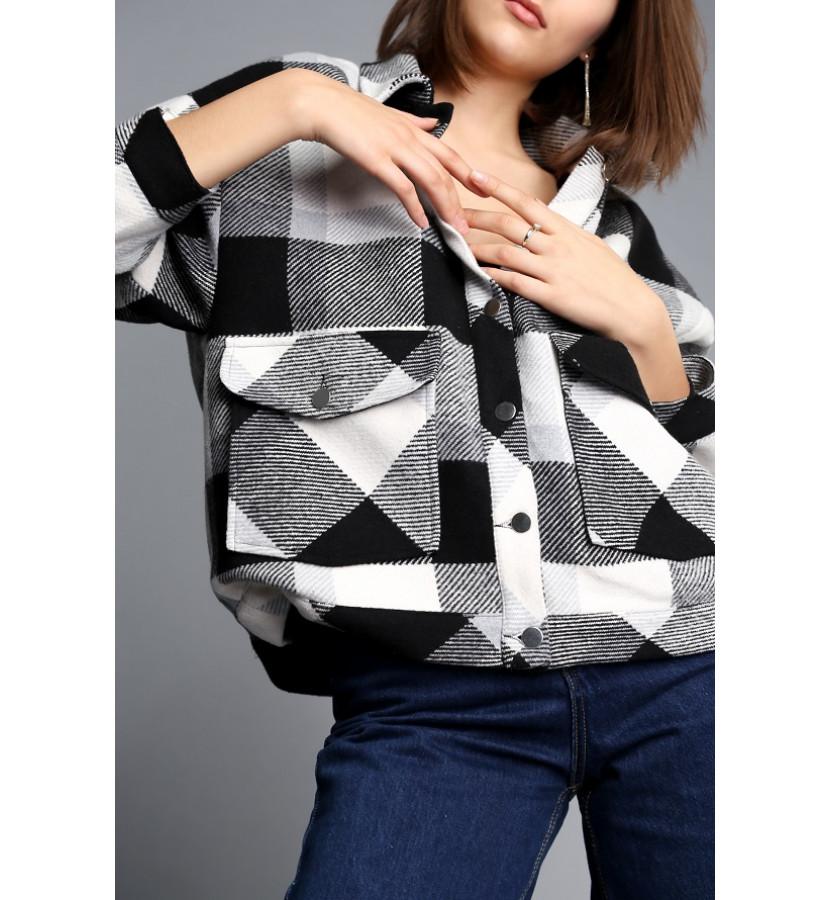 Рубашка - куртка из плотного материала в клетку на заклепках