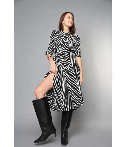 Платье -  миди с плиссированной юбкой, на талии резинка