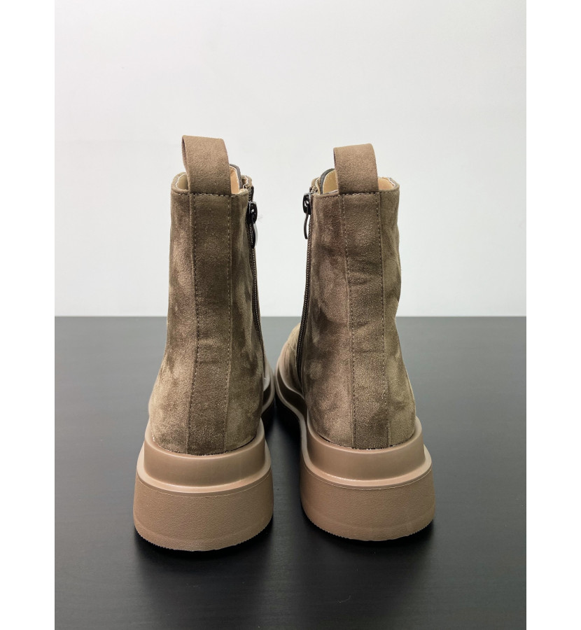 Ботинки из эко - замши на шнуровке
