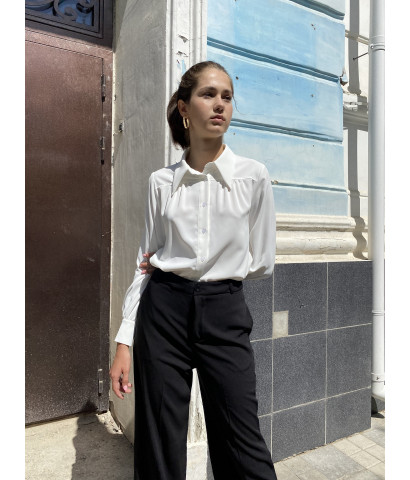 Блуза с воротником на пуговицах, рукава волан