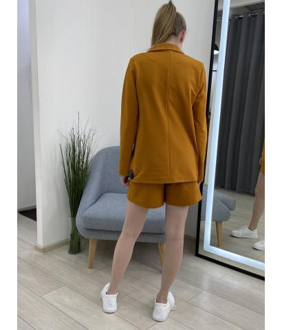 Костюм с шортами на пуговицах