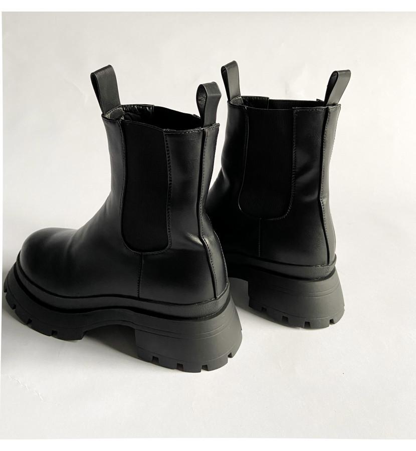 Ботинки со вставкой из резинки, с обьемной подошвой