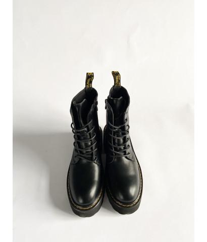 Ботинки с контрастным швом
